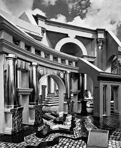 Ч. Мур. Площадь Италии в Новом Орлеане. 1974-1978 гг.